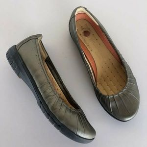 Clarks Unstructured Flats Leather Slip-On Shoes